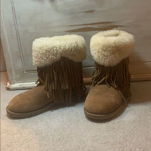 Koolaburra by UGG Haley fringe fur boots